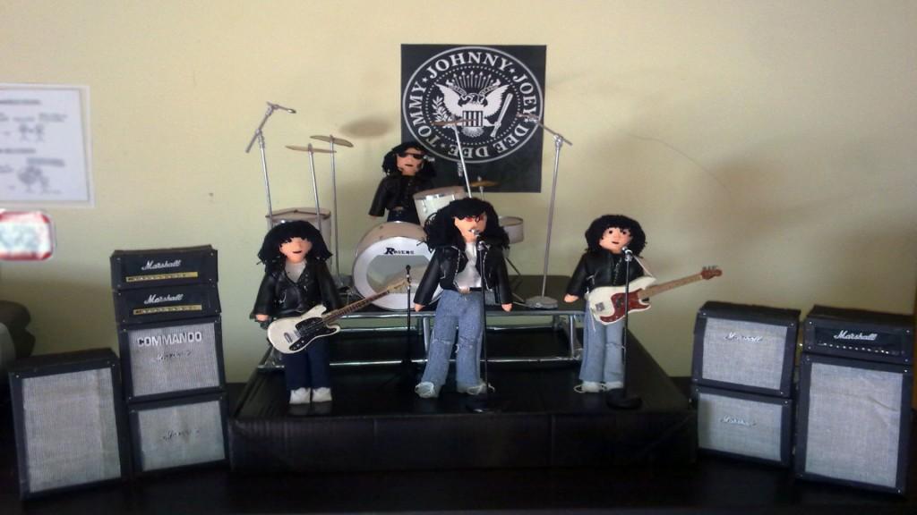 Maqueta de Ramones by Rox. Regalo a Javi Ramone.